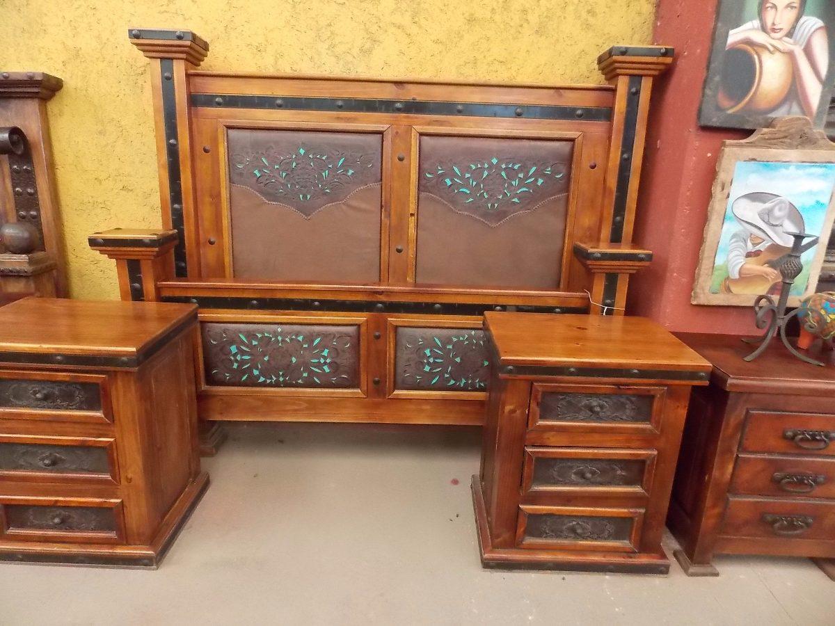 Exclusiva recamara de madera hierro y piel estilo antiguo for Recamaras individuales de madera