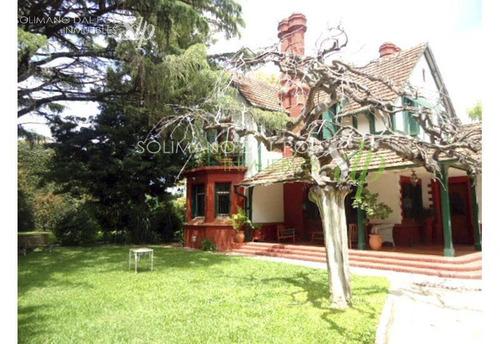 exclusiva residencia de estilo inglés  en olivos