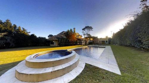 exclusiva residencia en beverly hills. ¡imperdible!