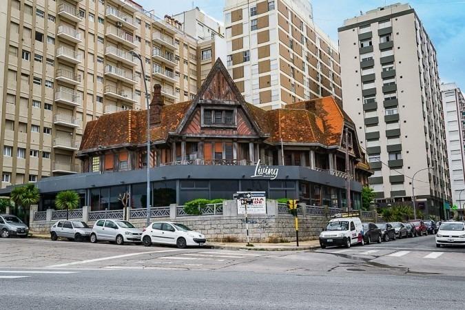 exclusiva residencia palaciega en bv. marítimo y olavarria