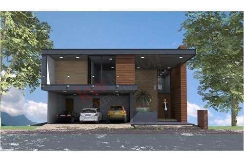 exclusiva y moderna casa en venta, en club de golf la loma