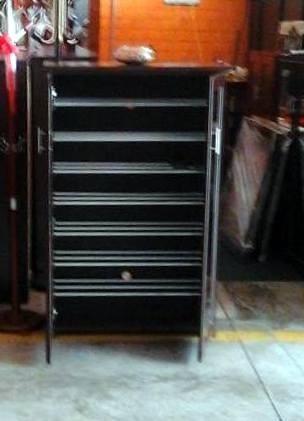 Exclusiva zapatera con dos puertas con espejo s 470 00 for Zapatera para puerta