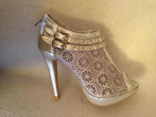 exclusivo zapato fiesta color plata strass . numero 37