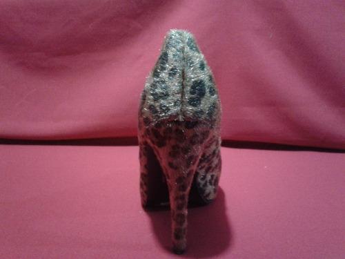 exclusivos zapatos animal print con textura gotta 36