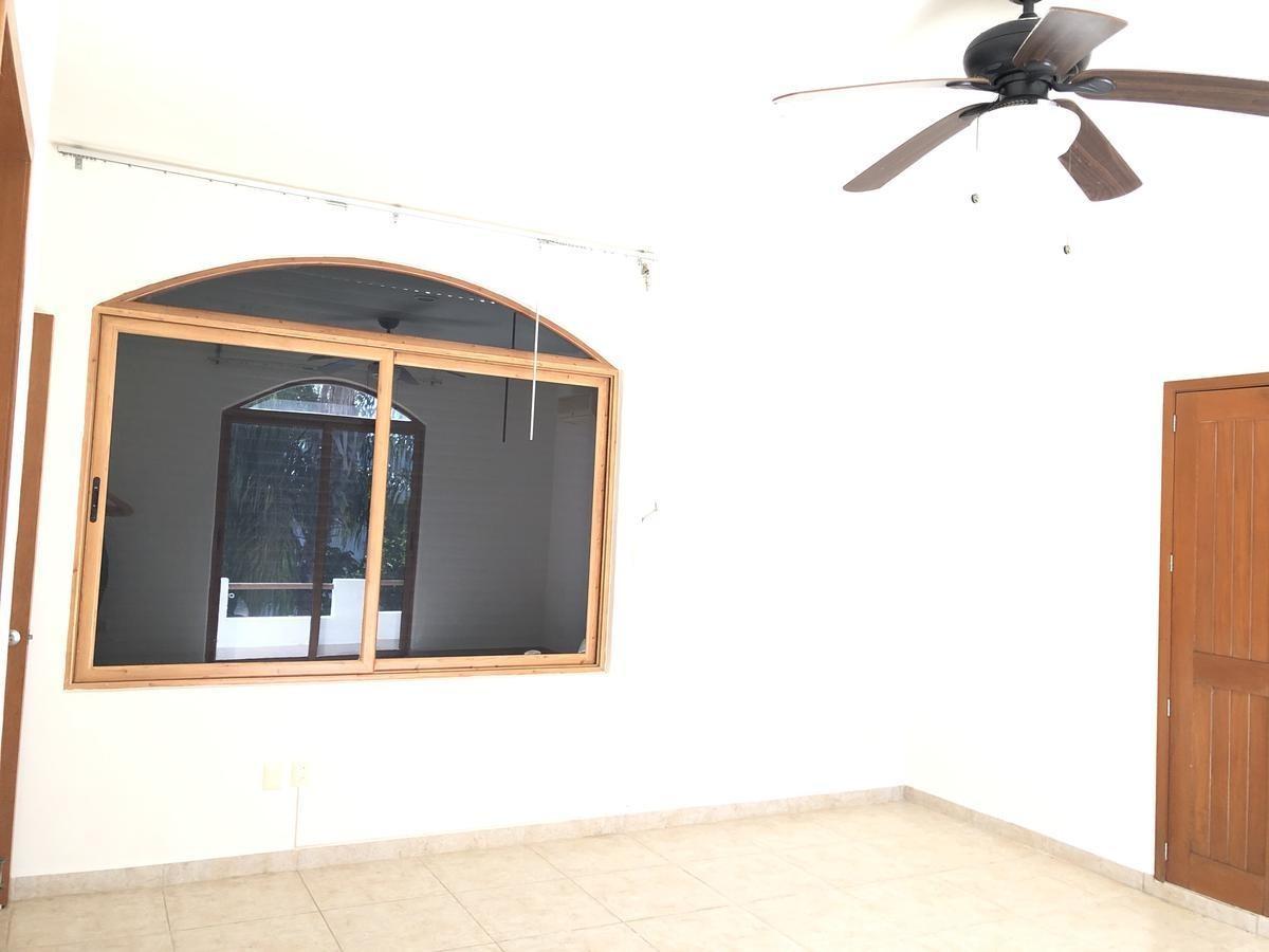 exelente residencia en villa magana