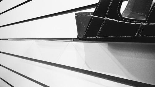 exhibidor calzado zapato panel ranurado acrílico ligero 60pz
