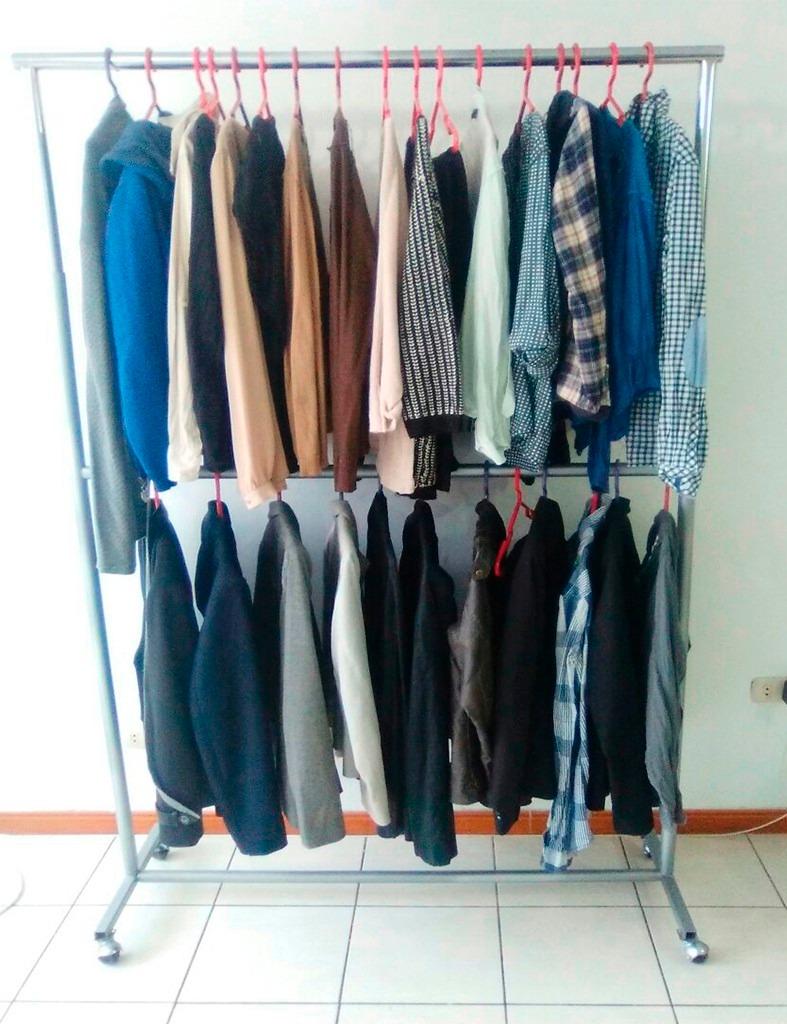 Exhibidor colgador de ropa fabricado en metal resistente - Colgador de camisas ...