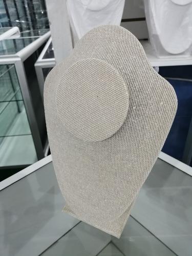 exhibidor cuello de tela