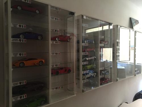 exhibidor de autos a escala 1/18 para 16 carros uno18peru