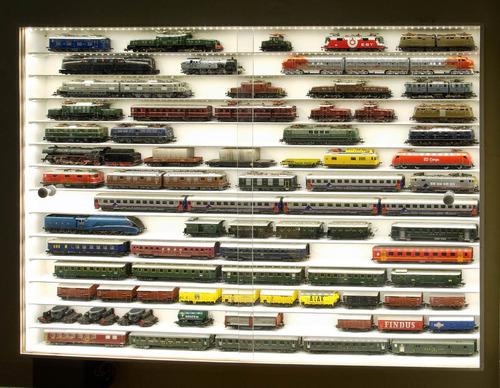 exhibidor para locomotora - vagones ho fabricamos a medida