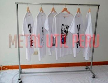 exhibidores colgadores de ropa