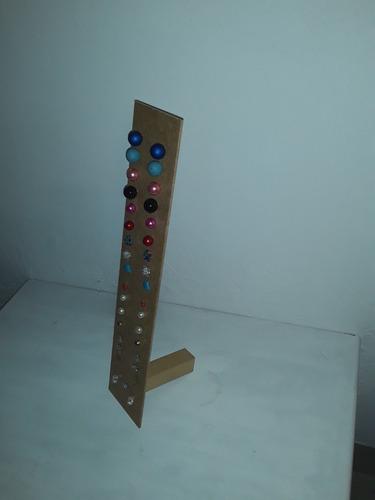 exhibidores de collar 18x30 pulseras 8x40 al crudo en mdf