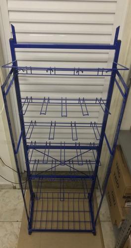 expositor display para encartelados com 25 ganchos e cesto