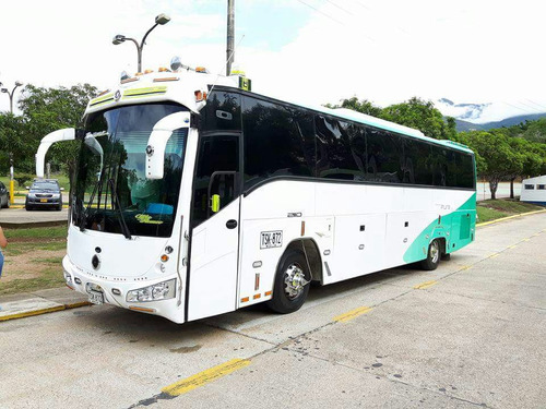 expresos viajes paseos vans camionetas buses alquiler