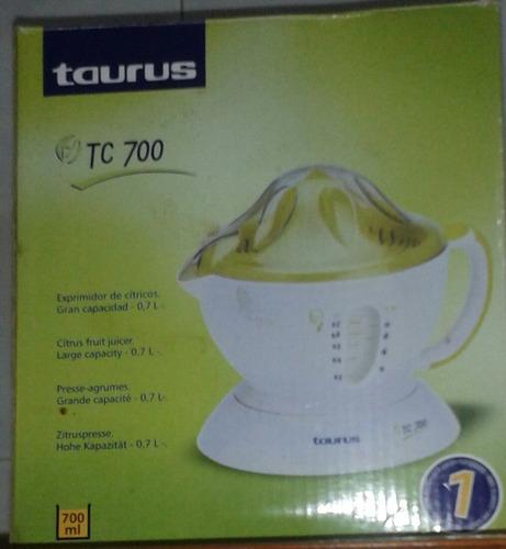 extractor de jugos taurus