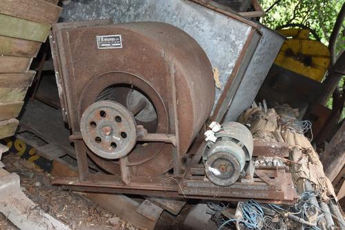 extractor / ventilador centrífugo industrial
