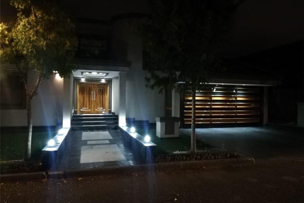 extraordinaria casa en exclusivo barrio las marias
