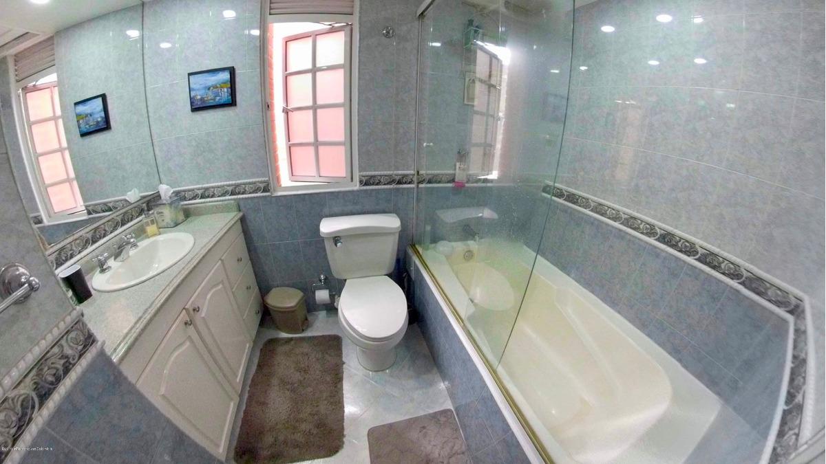 extraordinaria casa en venta en la calleja mls 19-896