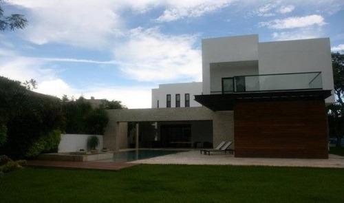 extraordinaria residencia en el club de golf la ceiba