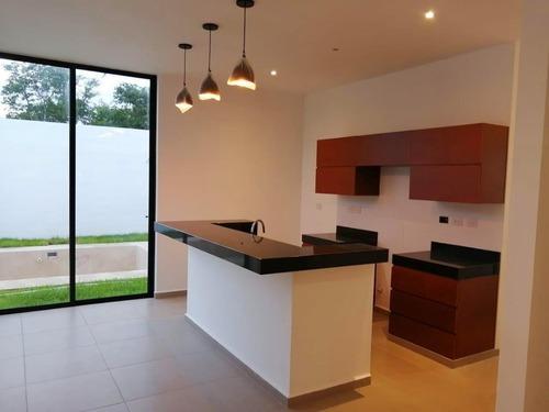 extraordinaria residencia en venta en parque natura cholul