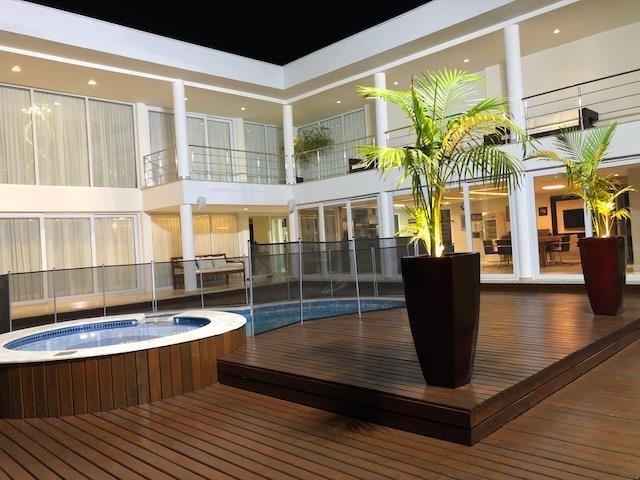 exuberante casa alto padrão 4 stes piscina x permuta 50%