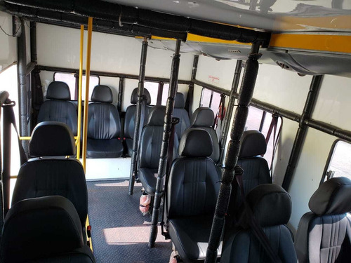 f-4000 4x4 ano 2019 cabine suplementar 16 passageiros +3