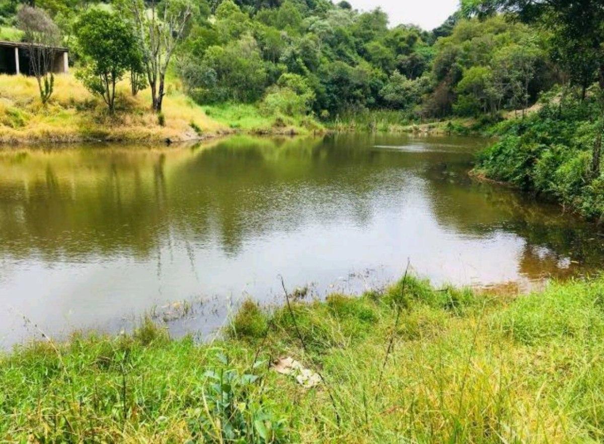 f. terrenos com lago e trilha no empreendimento. perca .