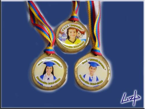 fabrica de albumes medallas diplomas portadiplomas. cintas