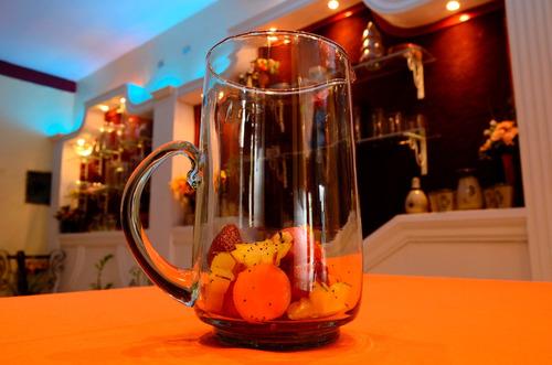 fabrica de artículos vidrio soplado vasos,copas,jarras