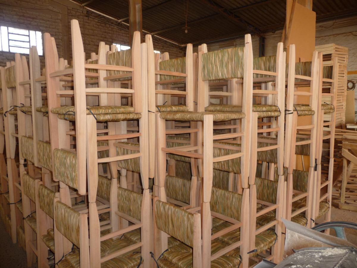 F brica de cadeiras de palha e mesas madureira r 58 00 for Fabrica de mesas de jardin