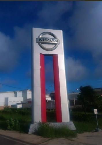 fábrica de letras vallas totem para publicidad exterior