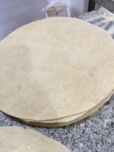 fábrica de masas de pizza a la piedra, focaccia, piadina