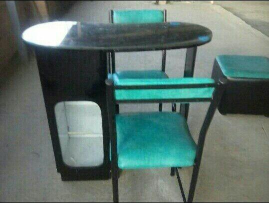fabrica de muebles para peluqueria sillas y mesa de
