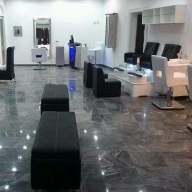 fabrica de muebles  (peluquería - centro de uñas - esteticas