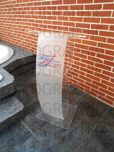 fabrica de podiums acrilico de cualquier tamaño y medida