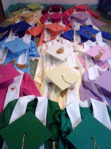 fabrica de togas,birretes ,capas doctorales,estolas,marsupia