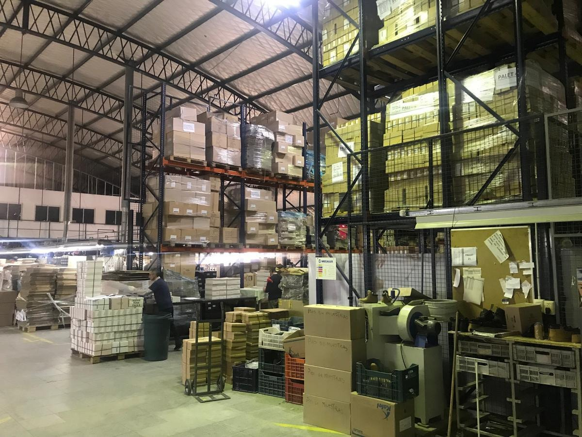 fabrica industrial 1.500 m2 excelente!