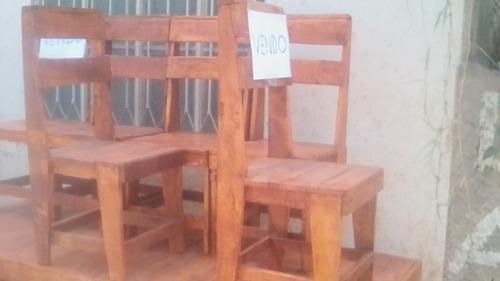 fabricacao e reformas .puffs ,cadeiras ,bancos de moto