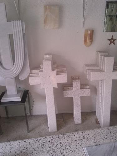 fabricación d cruces, placas, libros y floreros para lapidas
