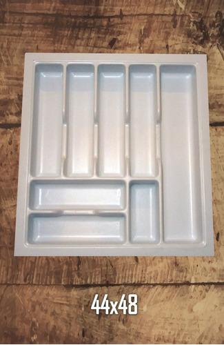 fabricación de productos plásticos en termoformado