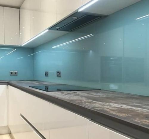 fabricación, suministro e instalación de cristales con acces