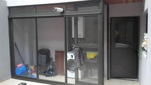 fabricacion y colocacion de ventanas puertas techos a medida
