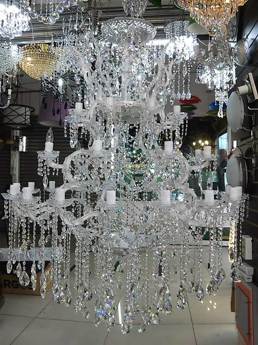 Fabricaci 243 N Y Dise 241 O De L 225 Mparas Y Candiles De Cristal
