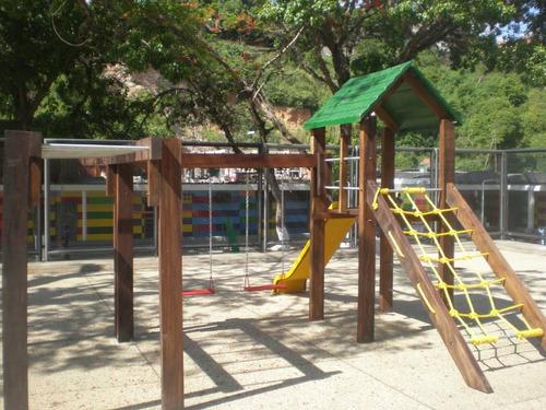 fabricación y mantenimiento de parques infantiles en madera
