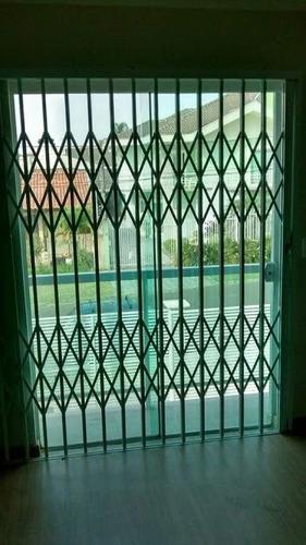 fabricação de grades de proteção, portões, pantográficas