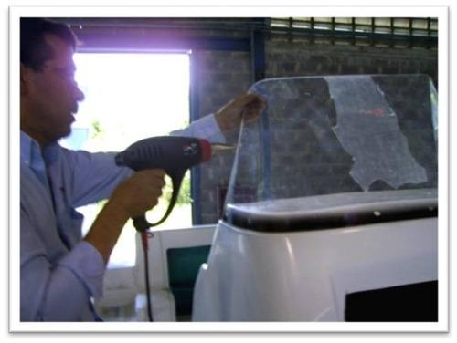 fabricamos parabrisas y escotillas para yates en acrilico