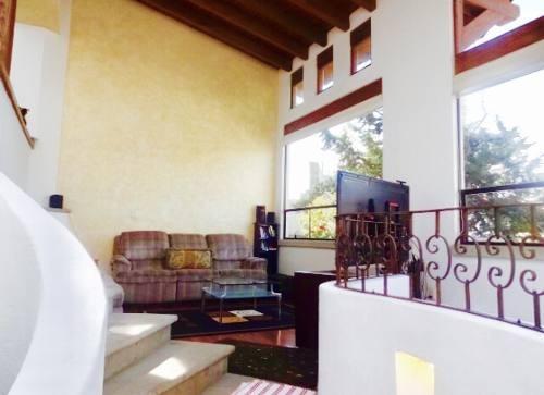 fabulosa residencia, espectacular jardin, en  san bernabe, san jerónimo lidice.