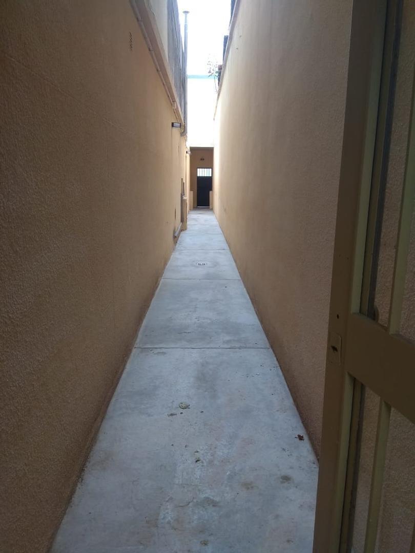 fabuloso ph casa pasillo 2 dorm con terraza y patio