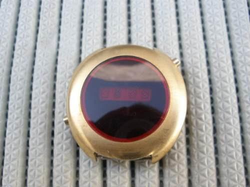 fabuloso reloj luminoso de leds de los 70`s
