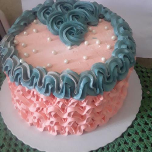 faço bolos salgados doces, as melhores delicias da região